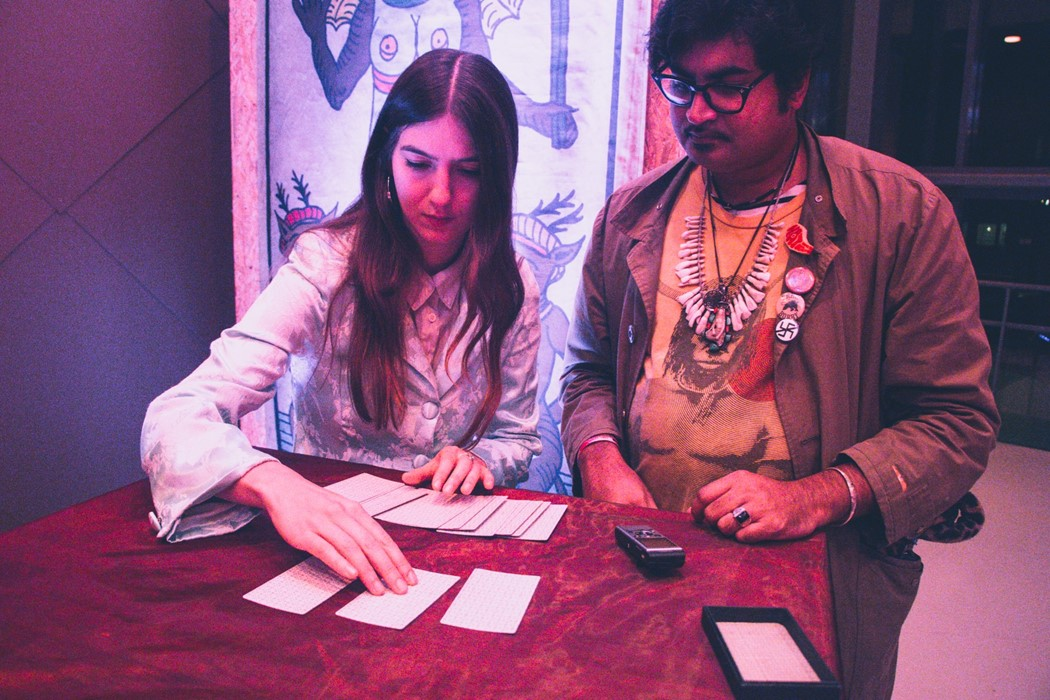 Thurston Moore, Sudan Archives, Meredith Graves and Weyes Blood get Tarot readings at Le Guess Who?