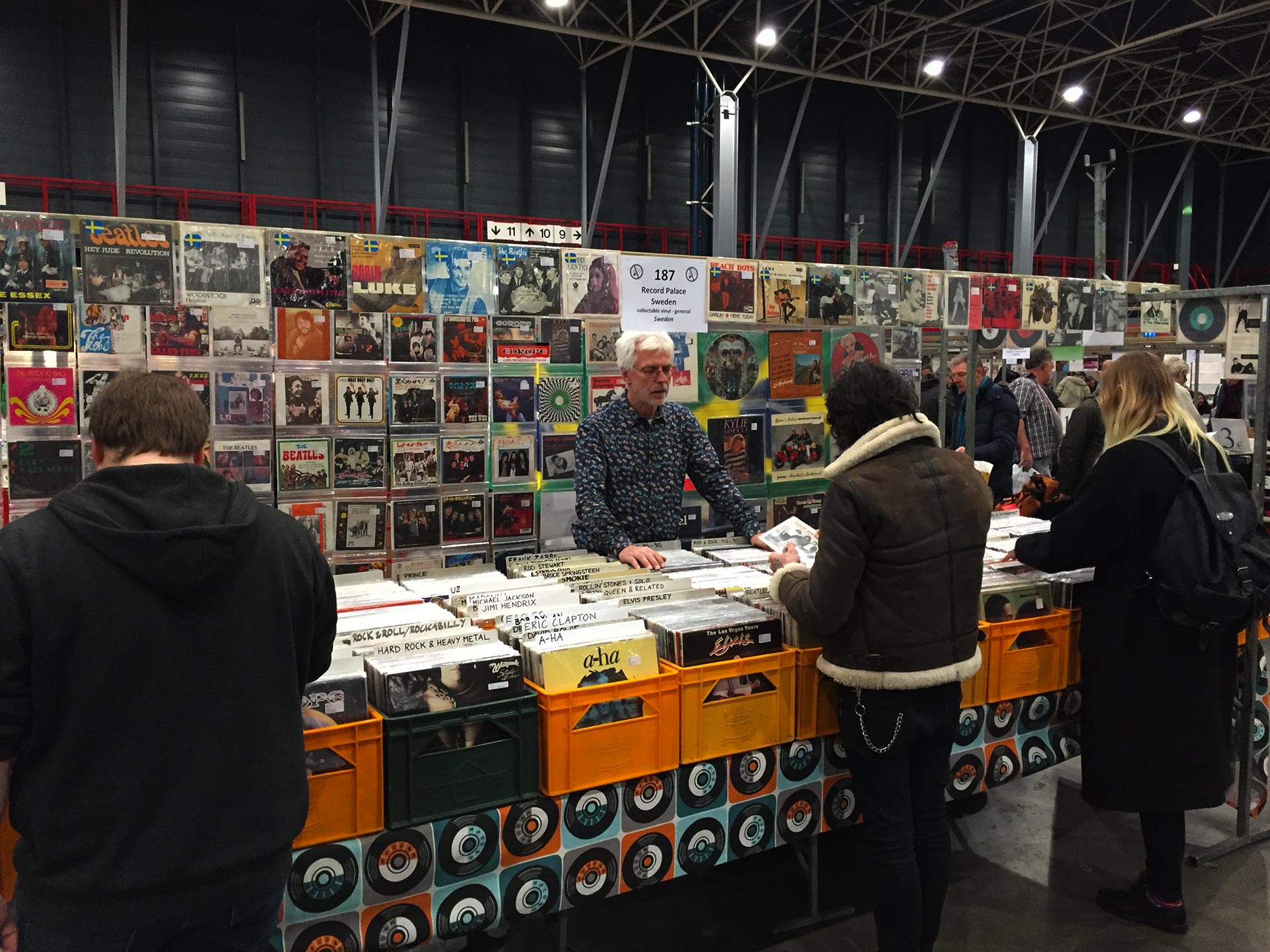 """Wading Through the World's Biggest Vinyl Market in Utrecht"""